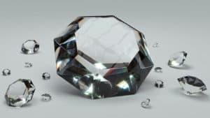 מה יותר נפוץ - יהלומי מעבדה או יהלומים טבעיים?