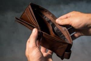 ארנק לגבר – עם או בלי מקום לכסף קטן?